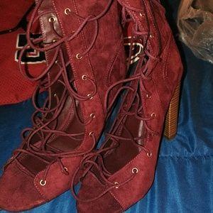 Wine lace up shoes